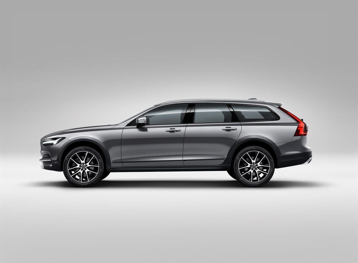 Volvo V90 Cross Country фото экстерьера 2