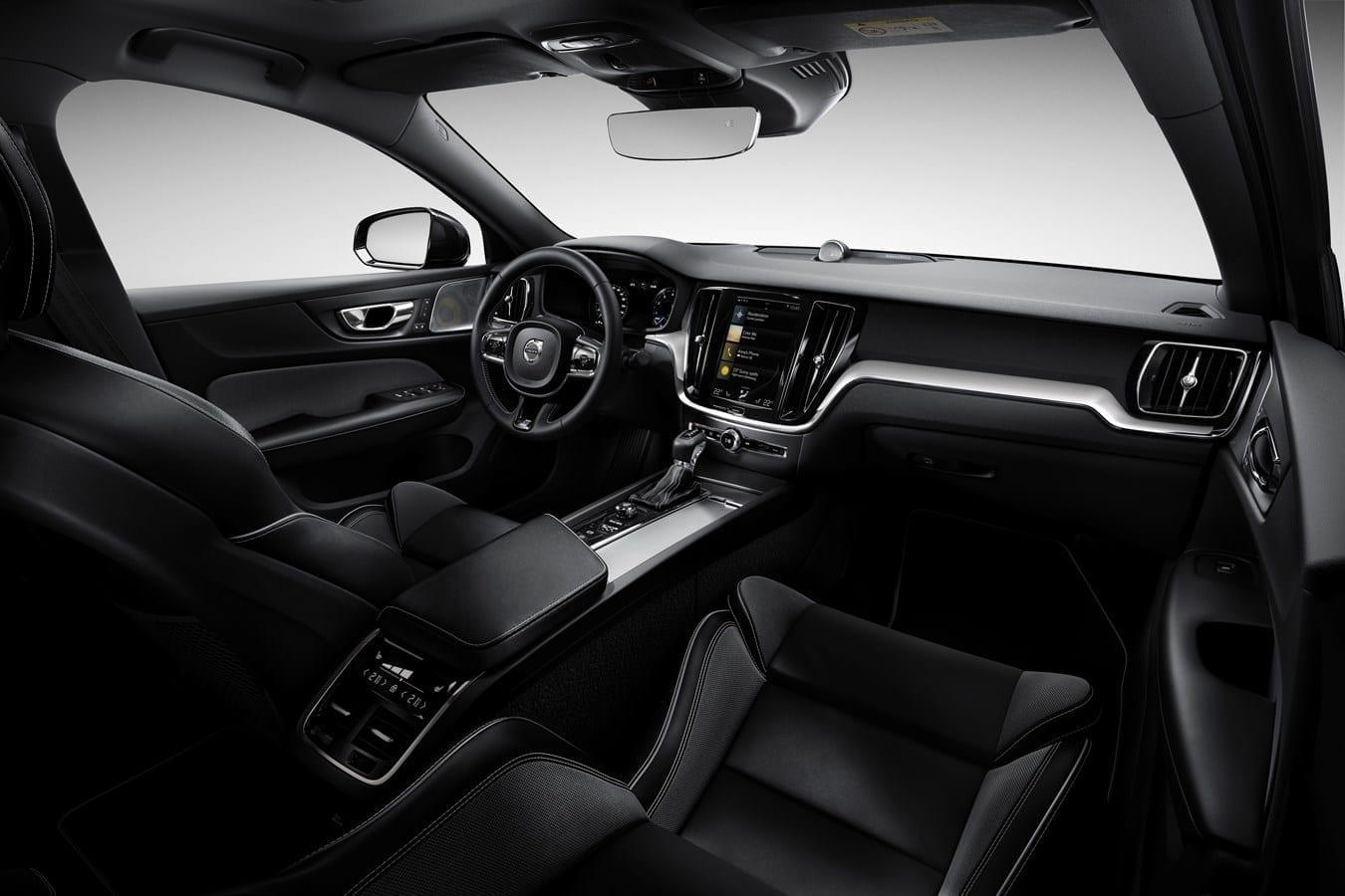 Volvo S60  фото интерьера 1