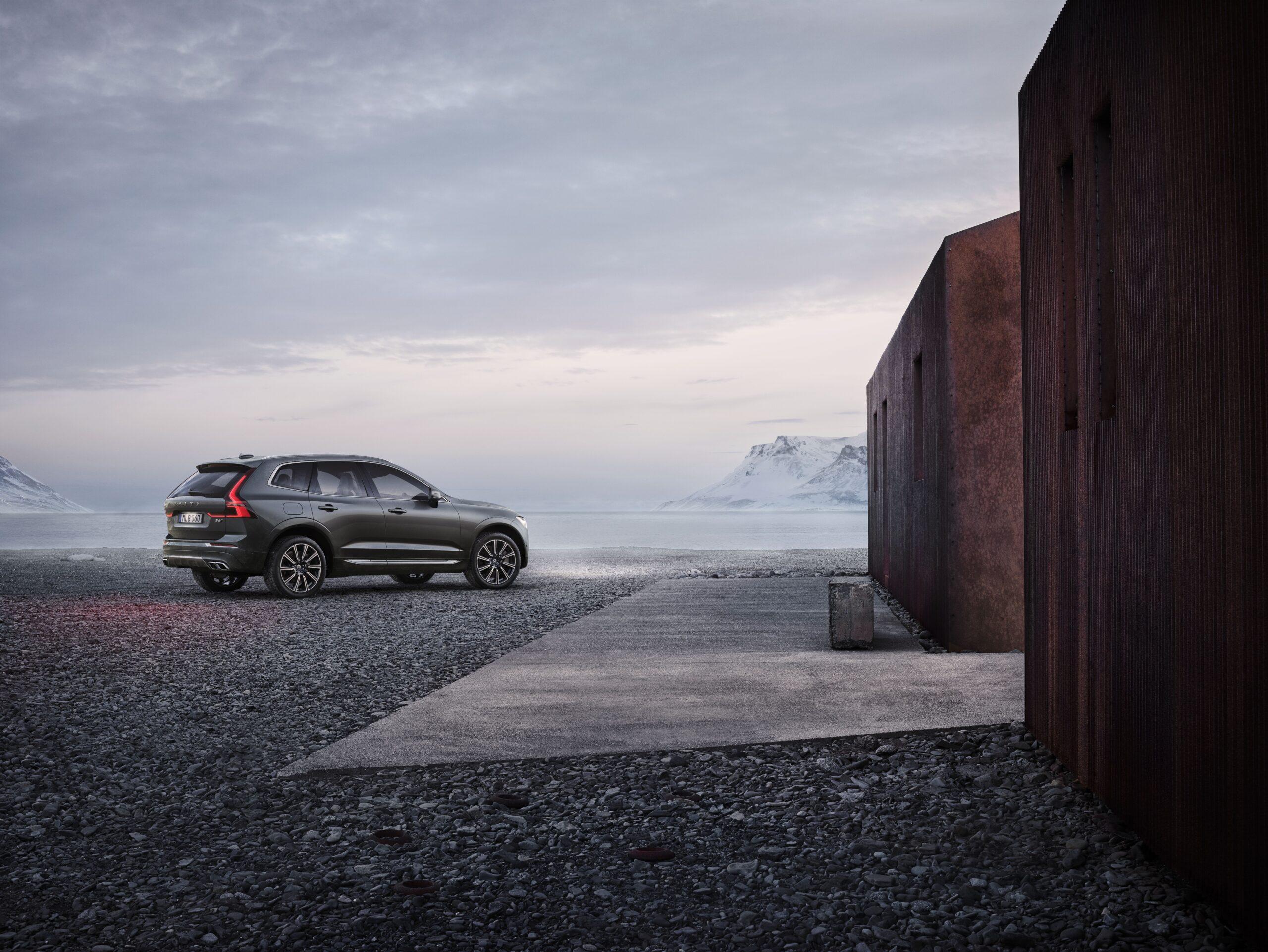 Volvo ХС60 фото экстерьера 1