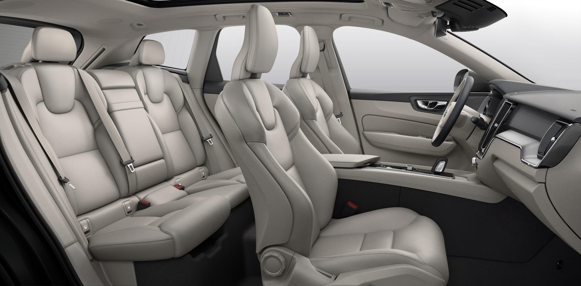 Volvo ХС60  фото интерьера 7