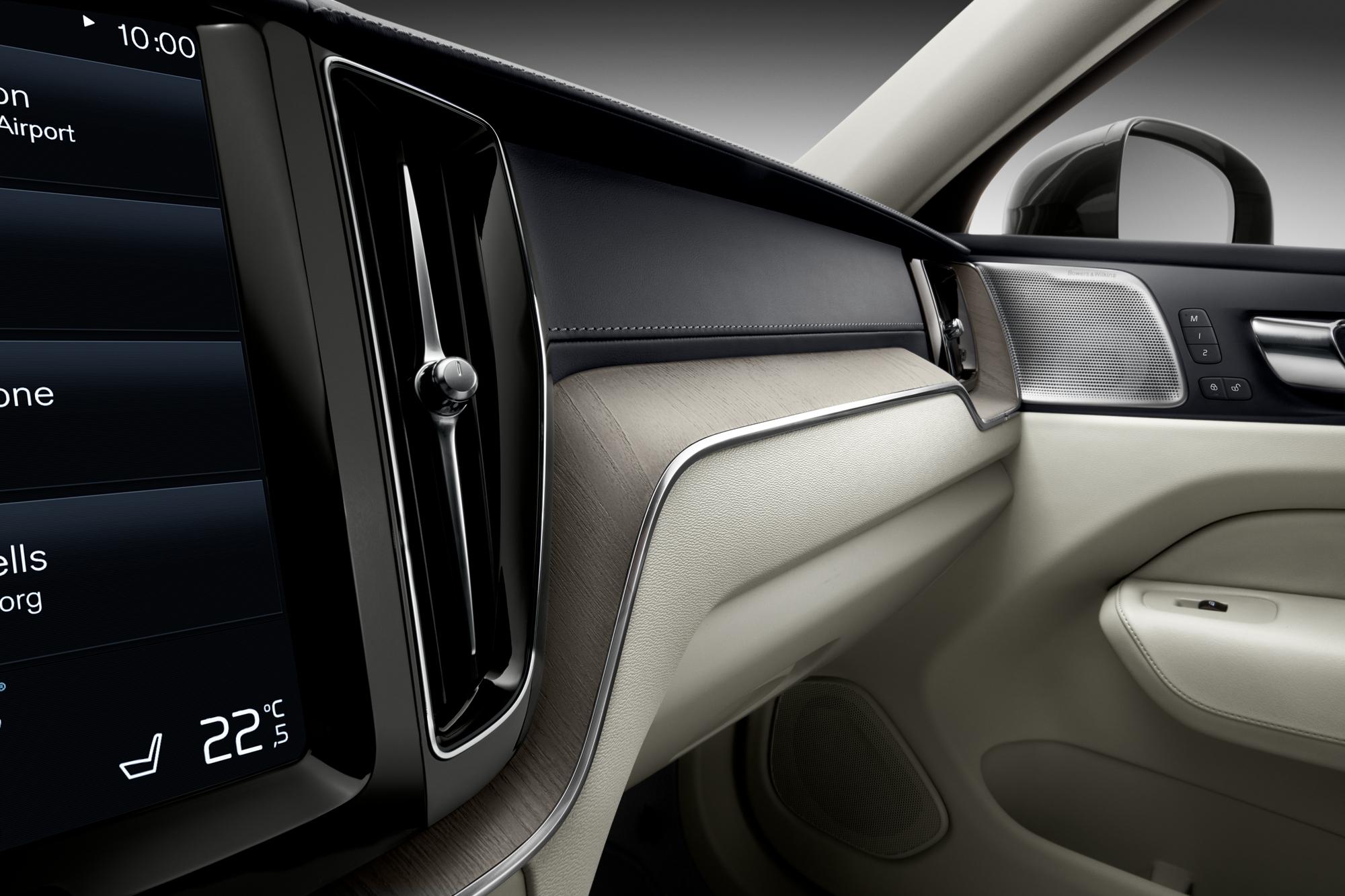 Volvo ХС60  фото интерьера 5