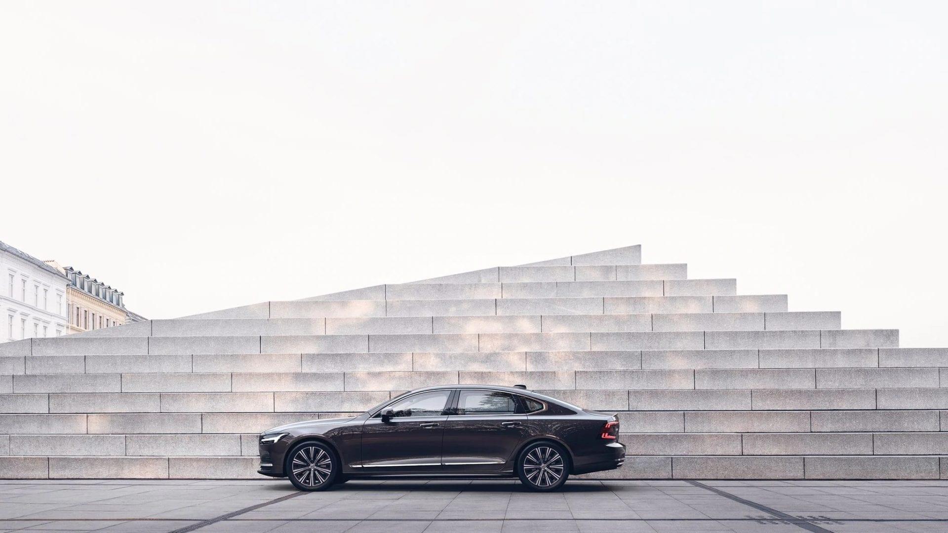 Обновленный Volvo S90.  Ожидайте большего!
