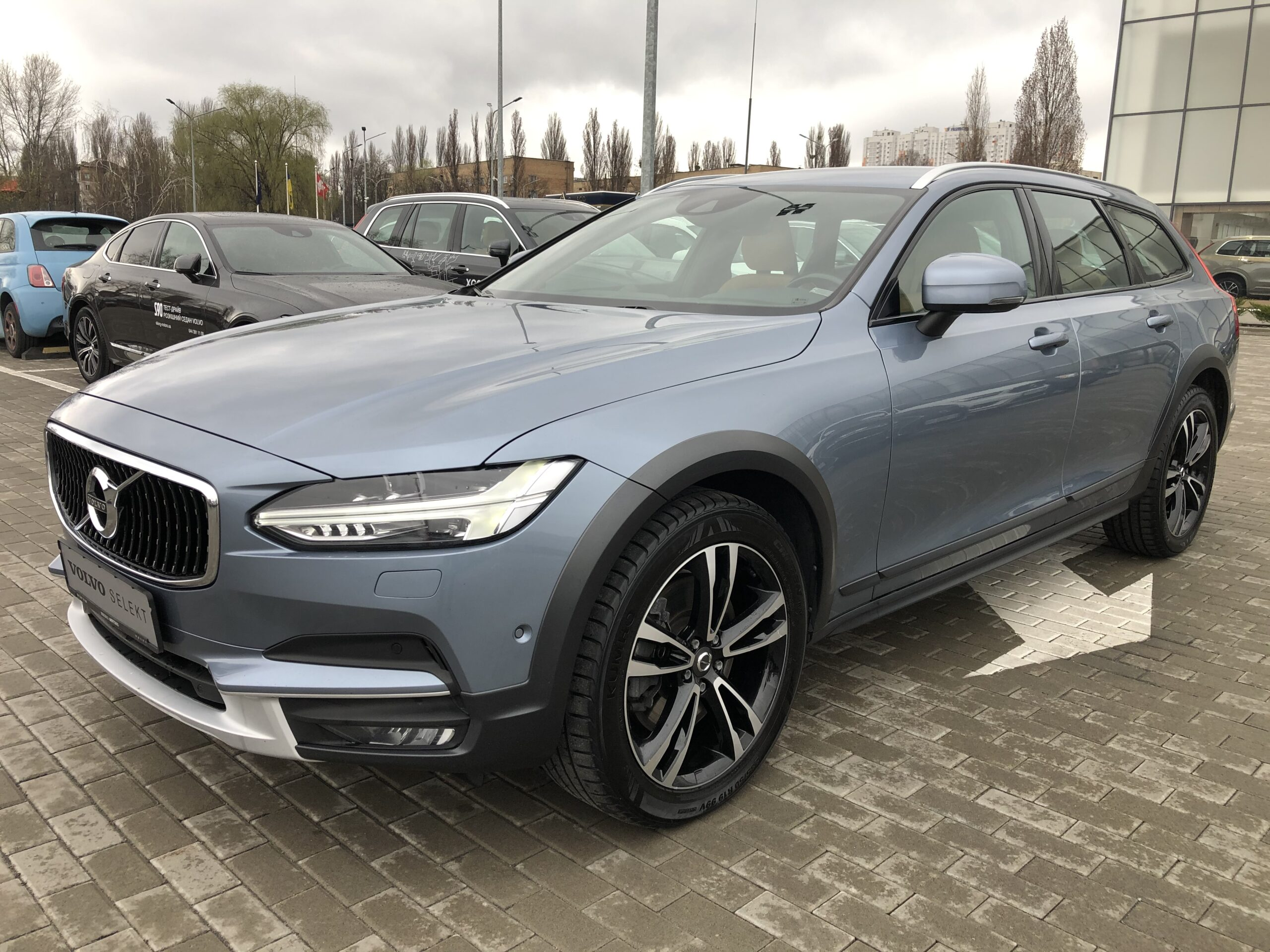 Volvo V90 Cross Country фото 2