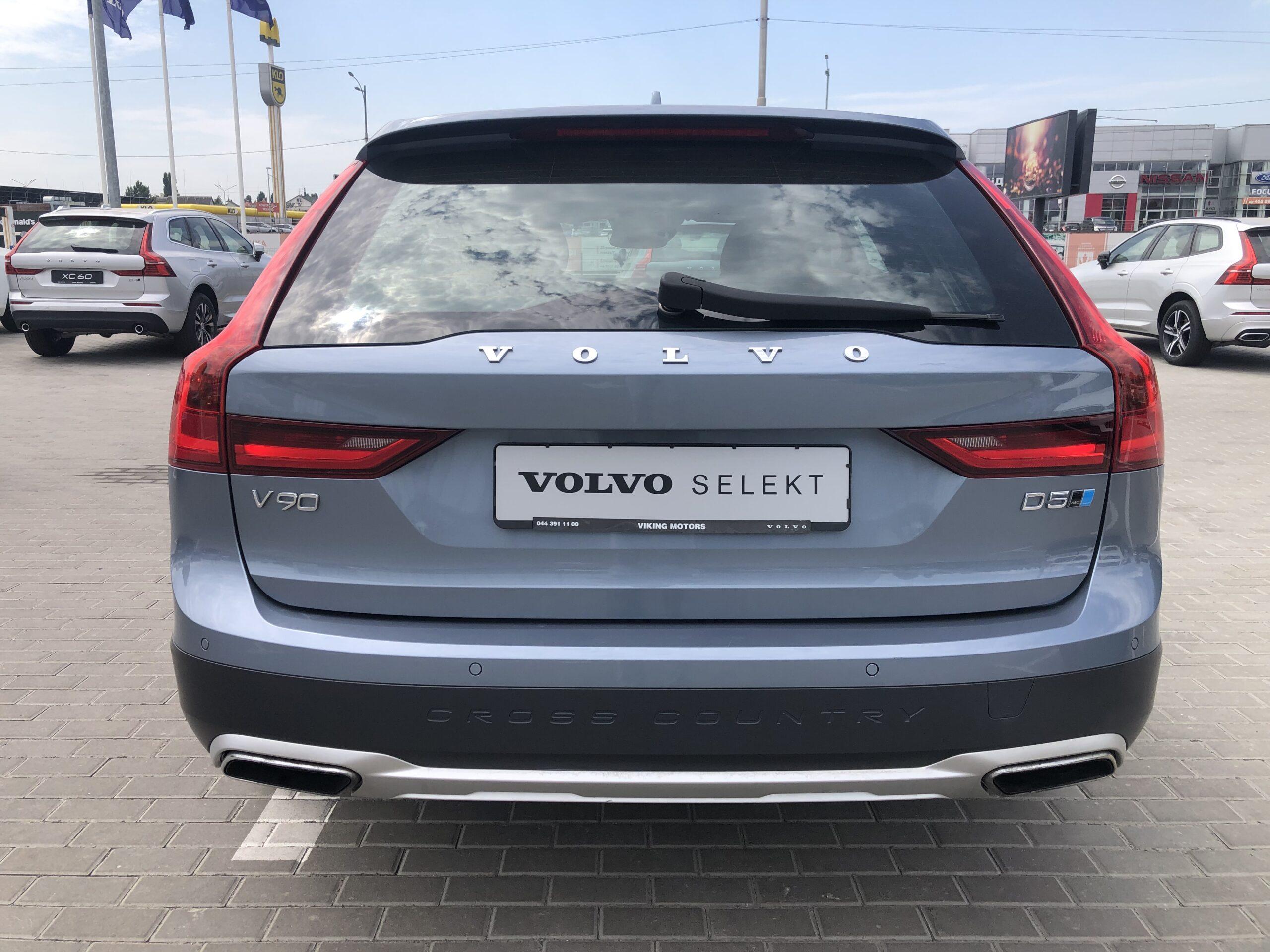 Volvo V90 Cross Country фото 4
