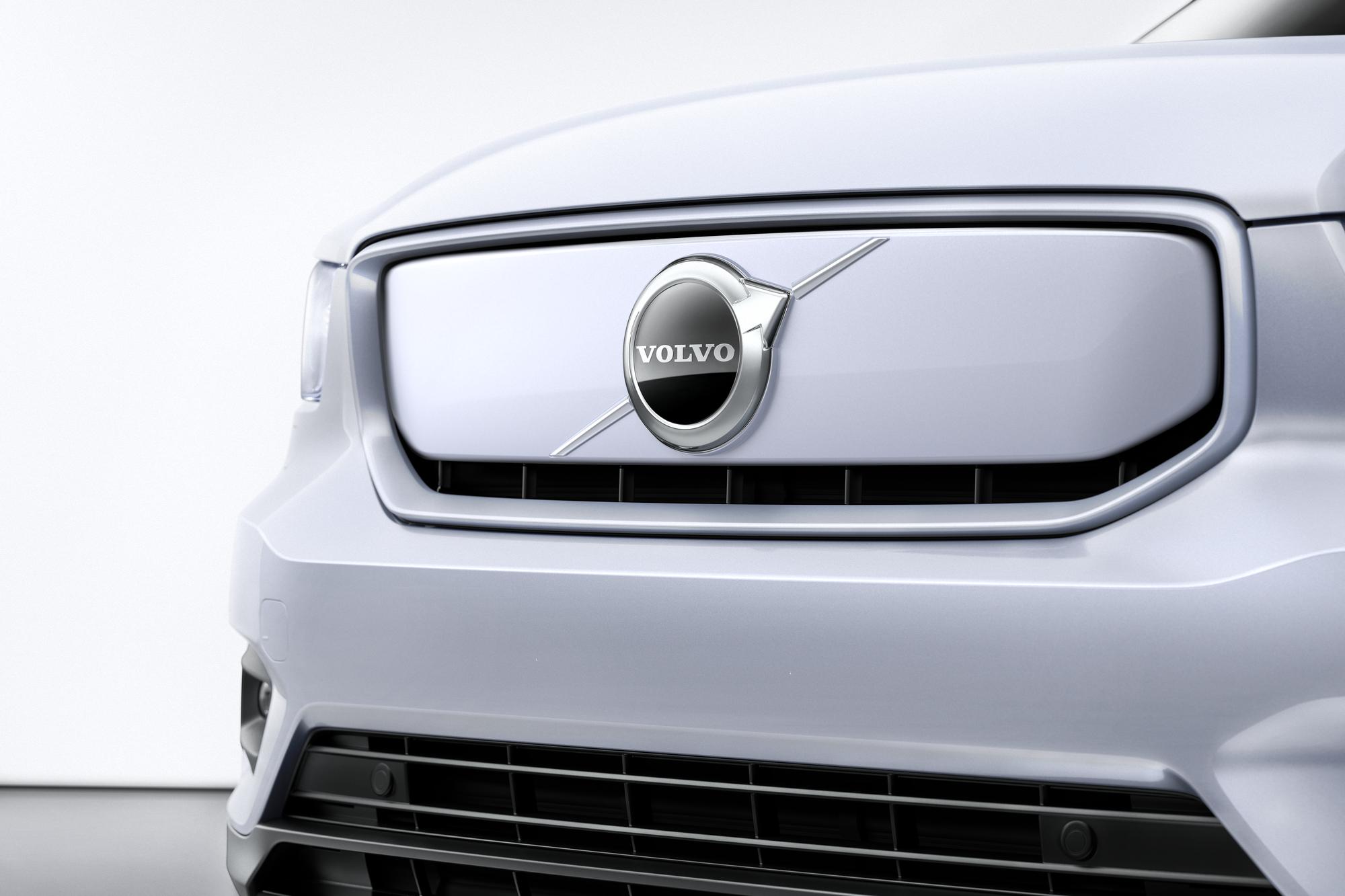 Volvo ХС40 Recharge ru фото экстерьера 3