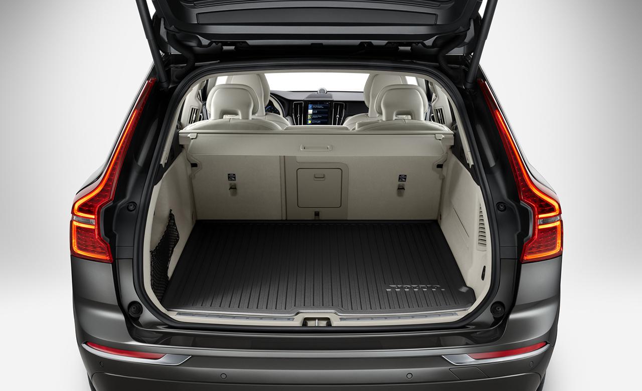 Volvo XC60. Килимок у багажне відділення з литої пластмаси фото