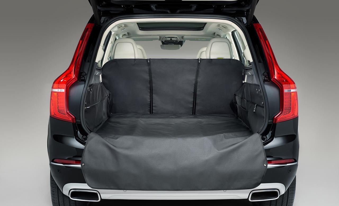 Volvo XC90. Защитный коврик, который полностью покрывает багажное отделение фото 1