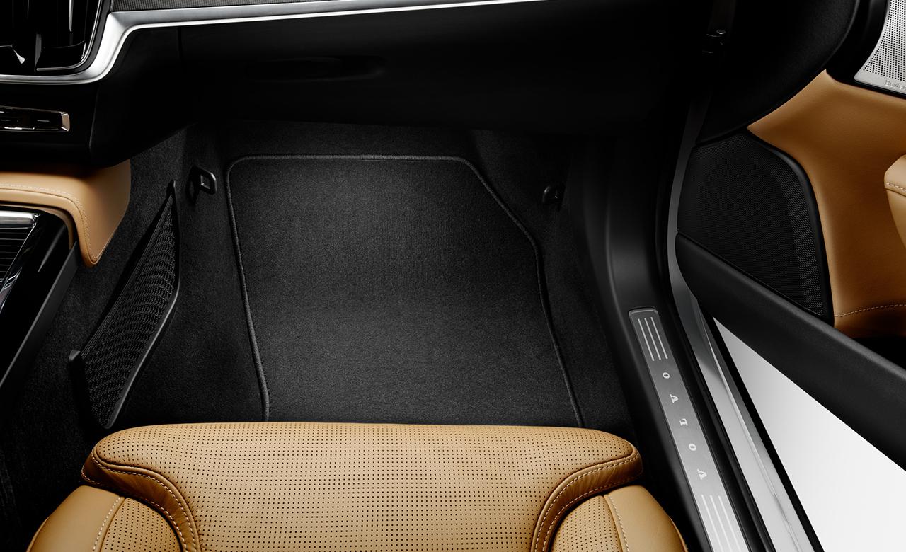 Volvo XC60. Текстильні килимки для салону автомобіля фото