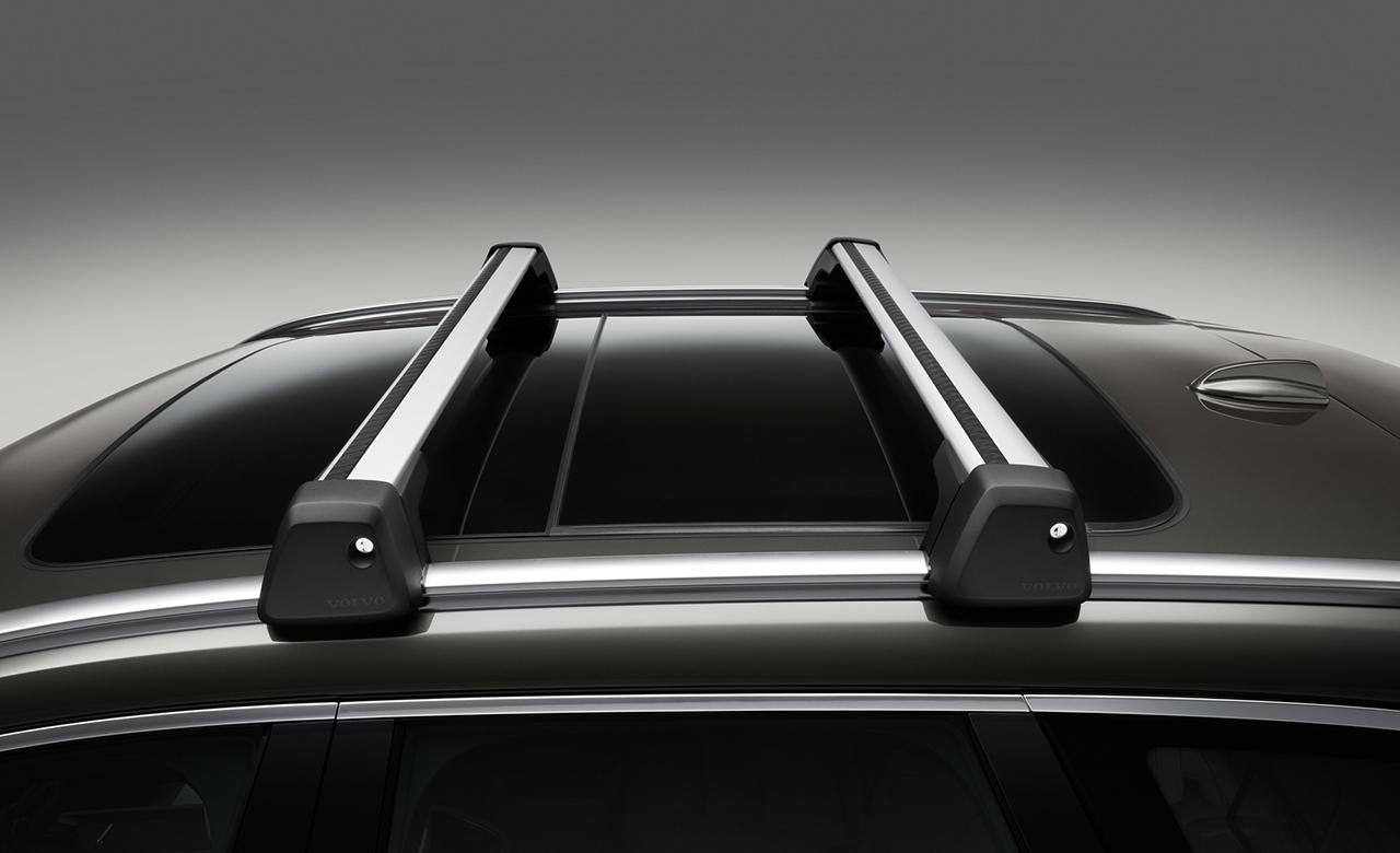 Volvo XC40. Багажні рейки фото